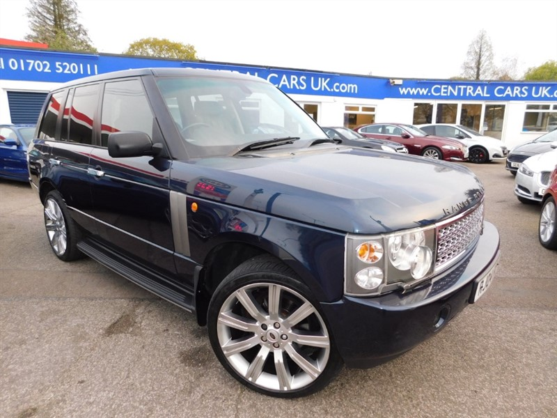 used Land Rover Range Rover 4.4 V8 Vogue 5 Door In Metallic Blue in leigh
