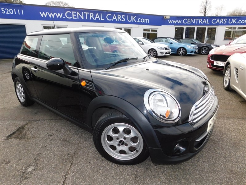 used MINI Cooper COOPER D in leigh