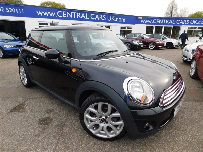 used MINI Cooper COOPER in leigh