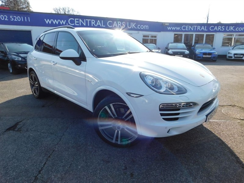 used Porsche Cayenne 3.0 D V6 Tiptronic In White in leigh