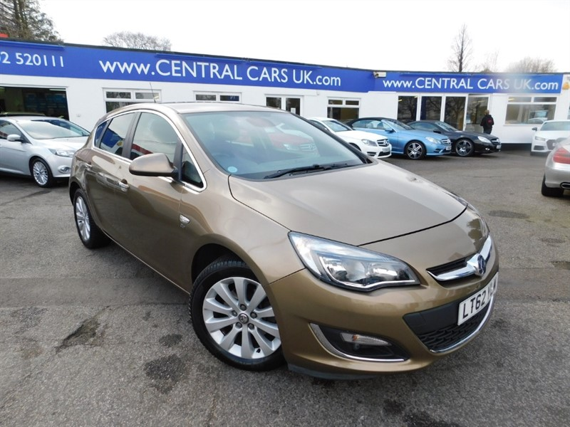 used Vauxhall Astra ELITE CDTI in leigh