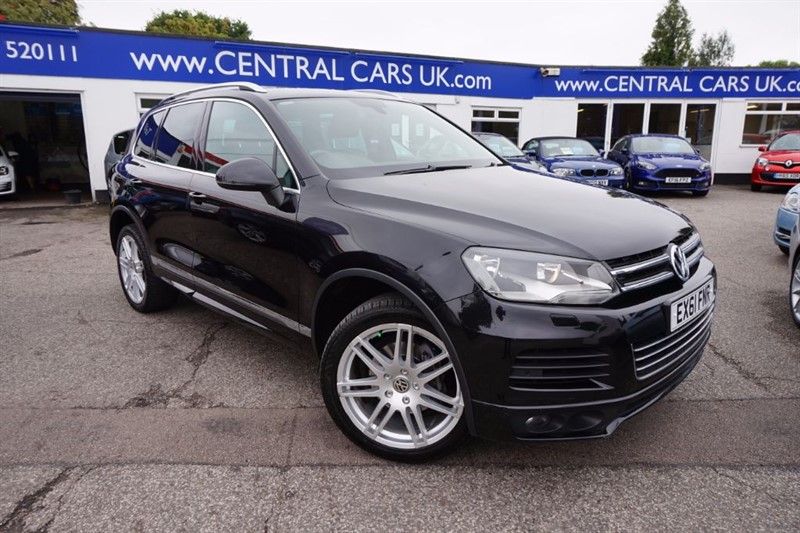used VW Touareg 3.0 V6 ALTITUDE TDI BLUEMOTION TECHNOLOGY 5 Door In Black in leigh
