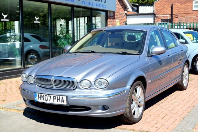 used Jaguar X-Type SE V6 4WD MANUAL SALOON in ashley-cheshire
