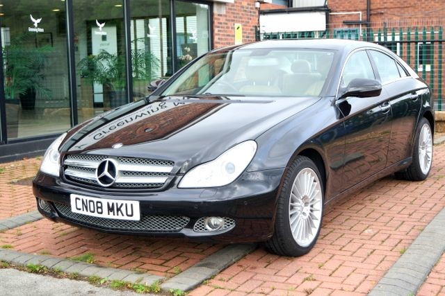 used Mercedes CLS CLS320 CDI COUPE - DESIGNO EDITION in ashley-cheshire