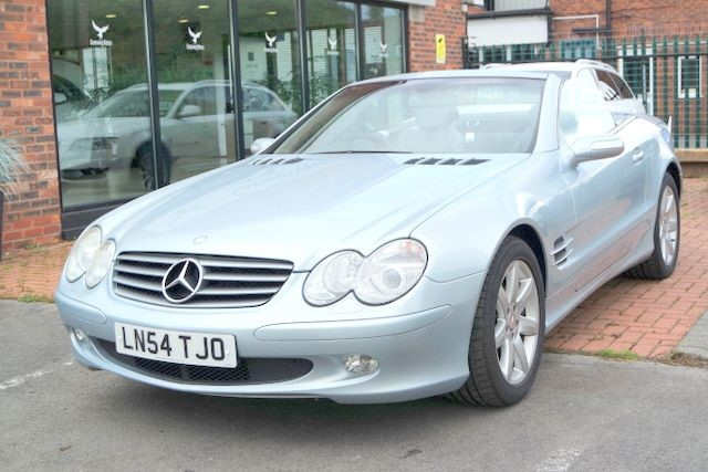 used Mercedes SL 500 CONVERTIBLE - SAT NAV - PAN ROOF in ashley-cheshire