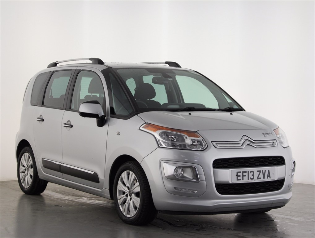 citroen c3 picasso in epsom surrey compucars. Black Bedroom Furniture Sets. Home Design Ideas