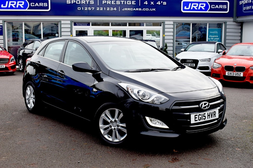 used Hyundai i30 USED CRDI SE BUSINESS EDITION BLUE DRIVE in preston-lancashire