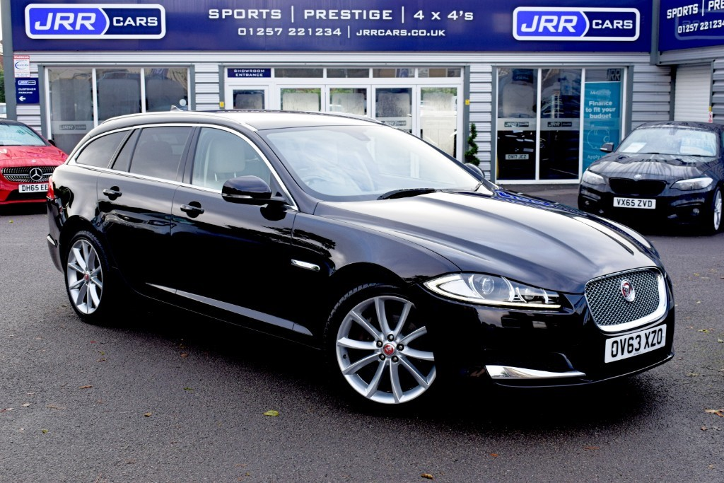 used Jaguar XF USED D PREMIUM LUXURY SPORTBRAKE in preston-lancashire