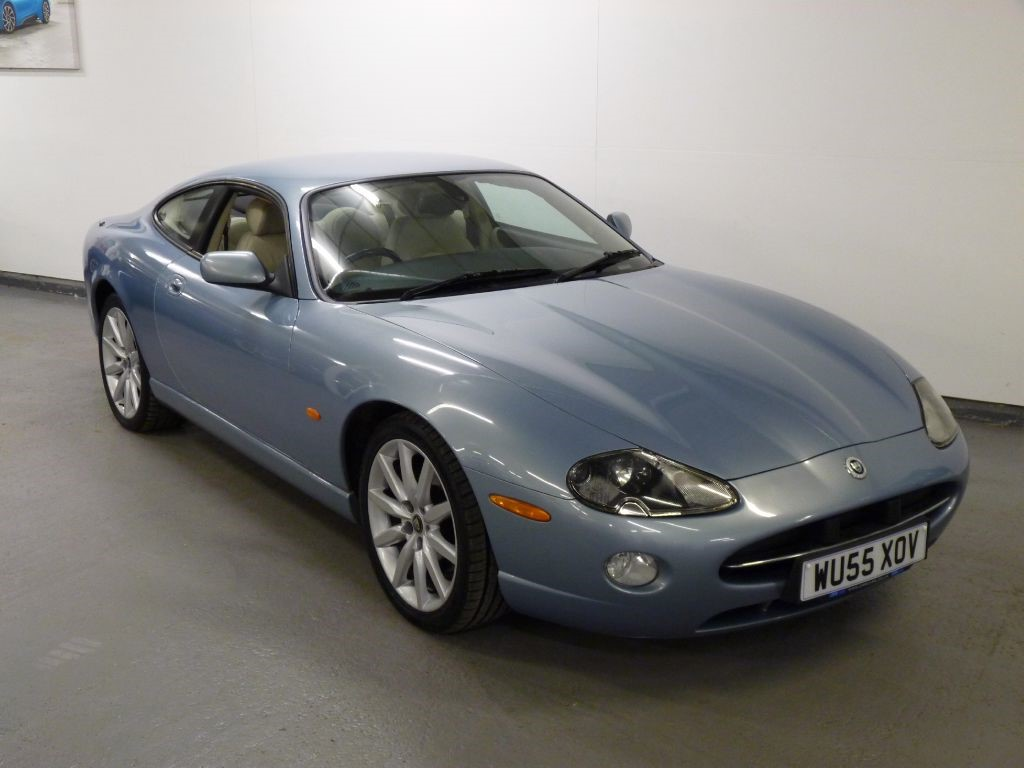 used jaguar xk xk8 coupe for sale in lancashire. Black Bedroom Furniture Sets. Home Design Ideas