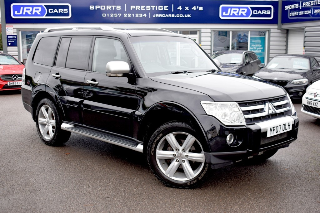 used Mitsubishi Shogun LWB DI-D GLS DIAMOND in preston-lancashire