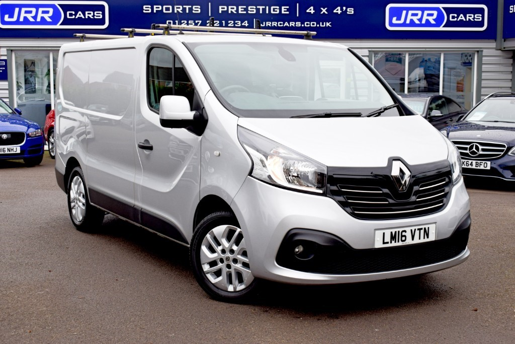 used Renault Trafic SL27 SPORT DCI S/R P/V in chorley-lancashire