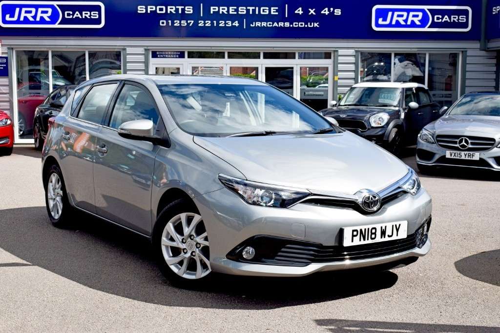 used Toyota Auris VVT-I ICON TECH USED in chorley-lancashire