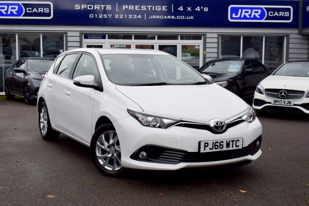 used Toyota Auris VVT-I ICON USED in chorley-lancashire