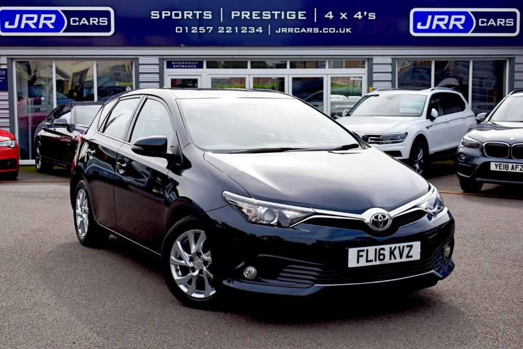 used Toyota Auris D-4D BUSINESS EDITION USED in chorley-lancashire