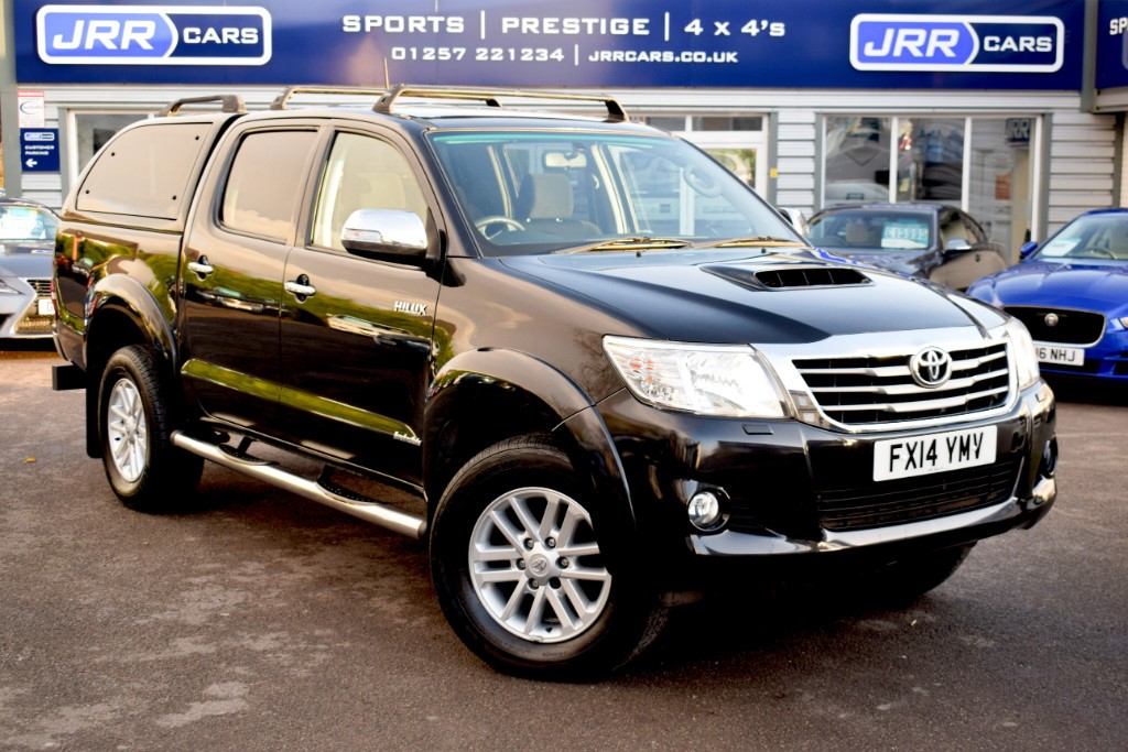 used Toyota Hilux INVINCIBLE 4X4 D-4D DCB USED in chorley-lancashire