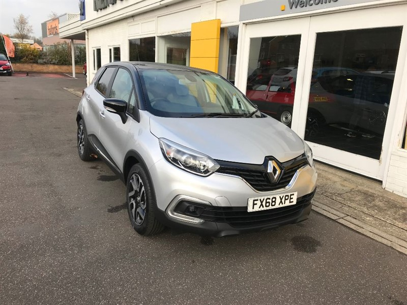 used Renault Captur ICONIC TCE in lincolnshire