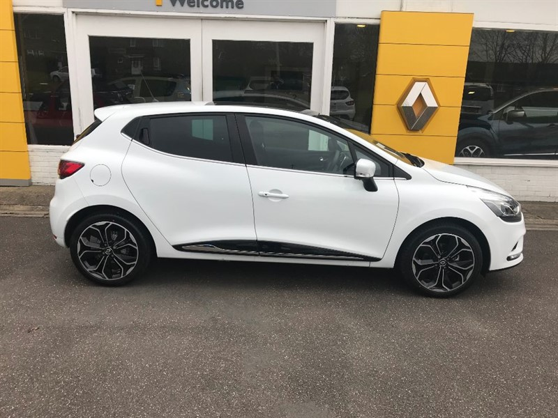 Used White Renault Clio For Sale Lincolnshire