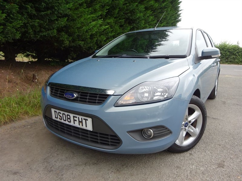 used Ford Focus Zetec (Automatic) (Estate) in herefordshire-for-sale