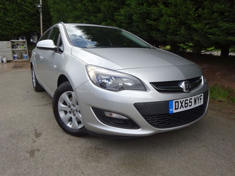 used Vauxhall Astra CDTI ECOFlex Design (Estate) (110bhp) in herefordshire-for-sale