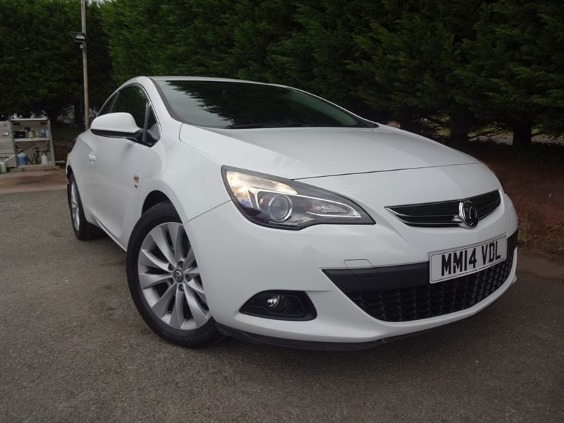 used Vauxhall Astra GTC CDTI SRI (110bhp) in herefordshire-for-sale