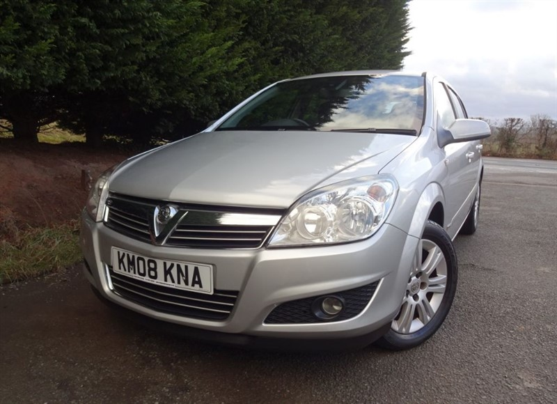 used Vauxhall Astra Design (140bhp) in herefordshire-for-sale