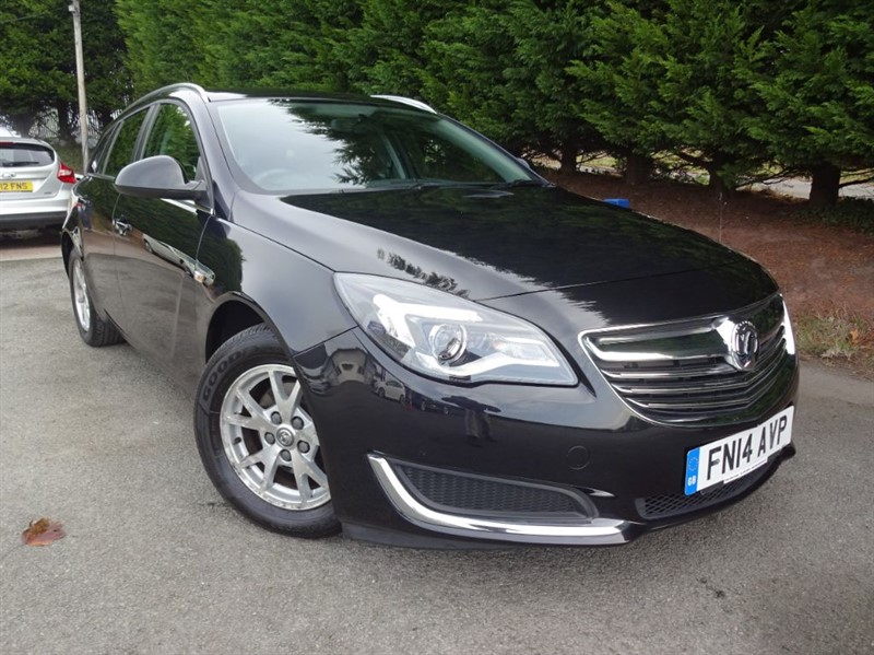 used Vauxhall Insignia CDTI ECOFlex Design (120bhp) (Estate) in herefordshire-for-sale