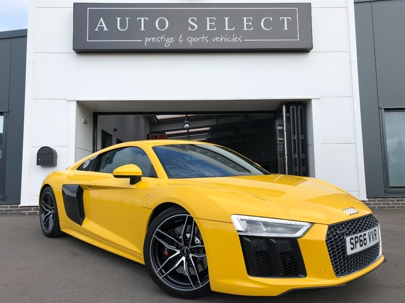 used Audi R8 5.2 V10 QUATTRO SPORTS PLUS PACK!! HUGE SPEC!! in chesterfield