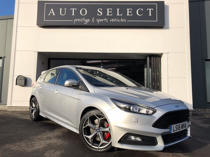 used Ford Focus ST-3 TDCI MASSIVE SPEC!! NAVIGATION!! in chesterfield