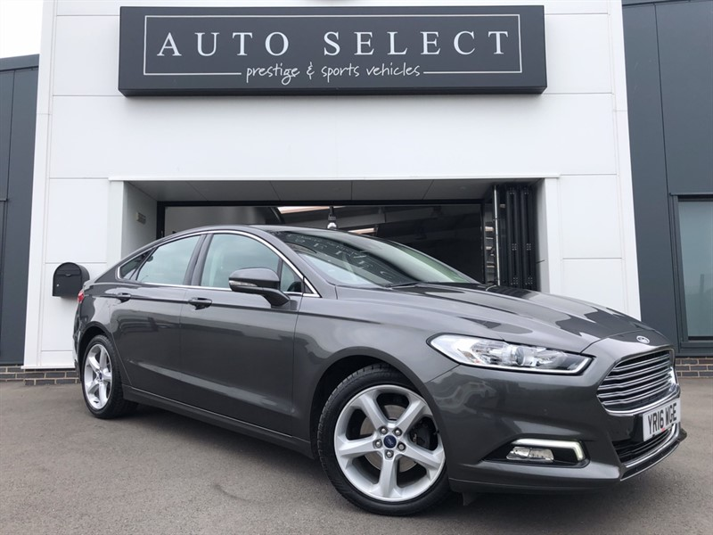 used Ford Mondeo TITANIUM 2.0 TDCI POWERSHIFT AUTO NAVIGATION!! STUNNING in chesterfield