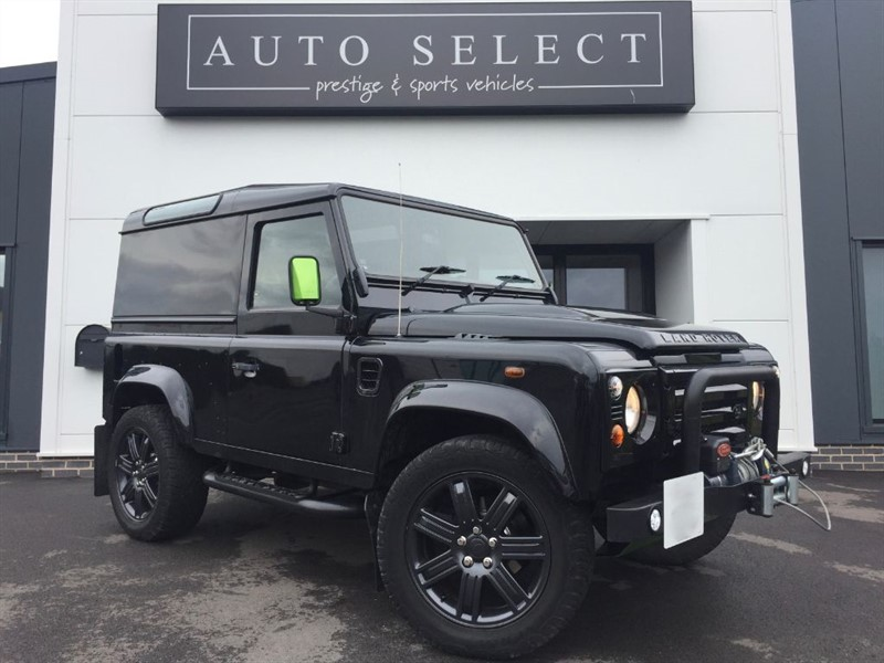 used Land Rover Defender 90 TD HARD TOP LOOKS STUNNING!! LOADS SPENT!! in chesterfield