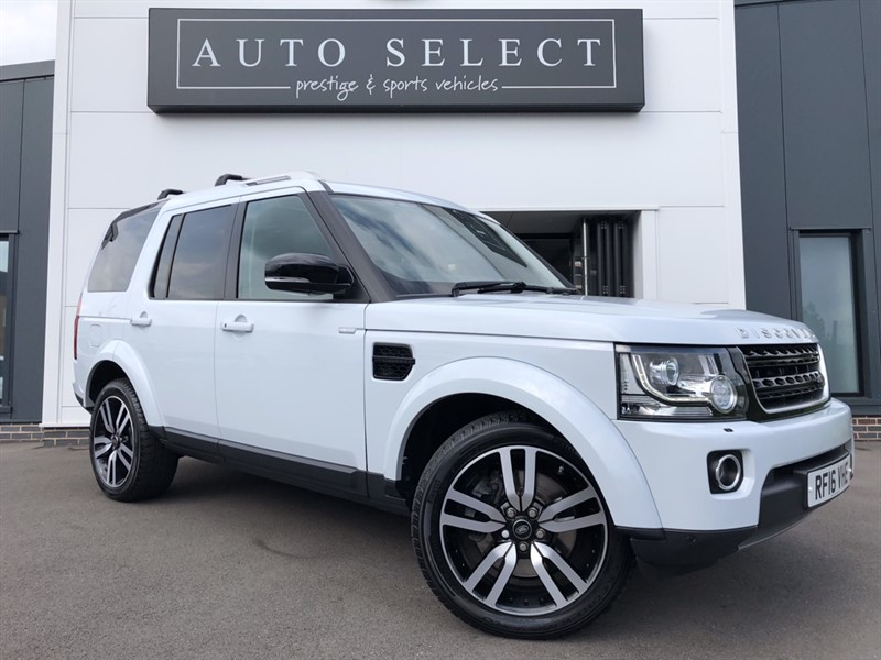 used Land Rover Discovery 3.0 SDV6 LANDMARK HUGE SPEC!! REAR ENTERTAINMENT!! in chesterfield