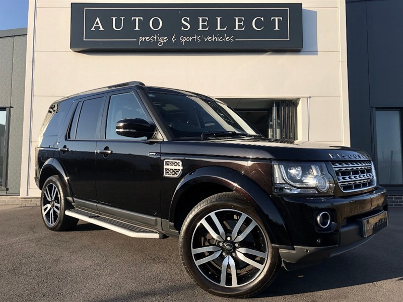 used Land Rover Discovery 3.0 SDV6 HSE LUXURY MONSTER SPEC!! REAR DVD & TV!! in chesterfield