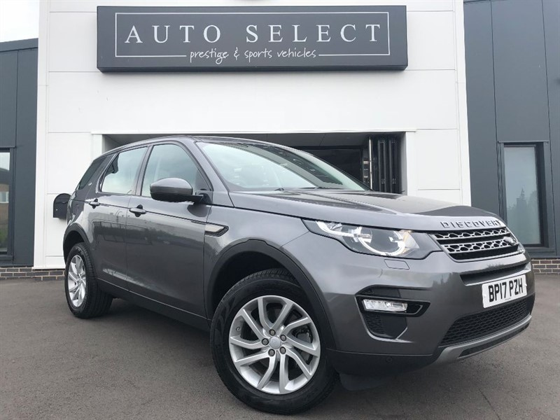 used Land Rover Discovery Sport 2.0 TD4 SE TECH 7 SEATER 1 OWNER!! in chesterfield