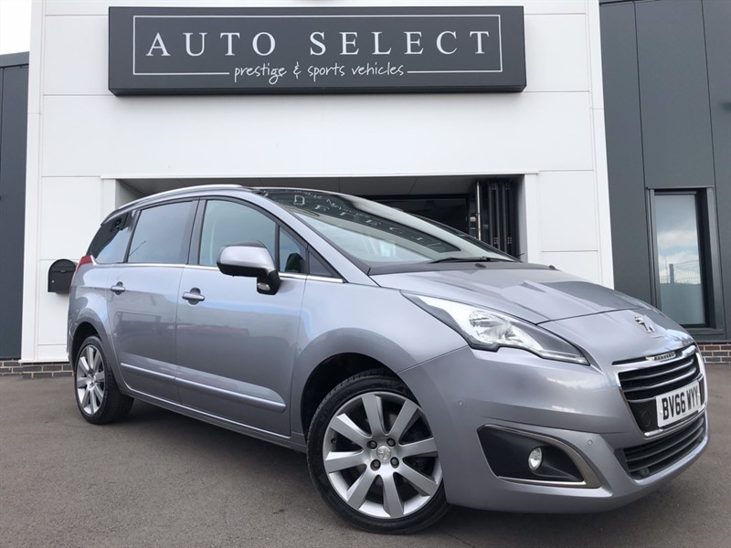 used Peugeot 5008 BLUE 1.6 HDI S/S ALLURE HUGE SPEC!! £30 ROAD TAX!! in chesterfield