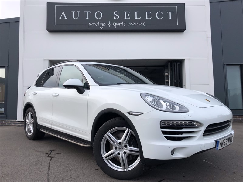 used Porsche Cayenne 3.0D V6 TIPTRONIC MONSTER SPEC!! PAN ROOF!! AIR SUS!! in chesterfield