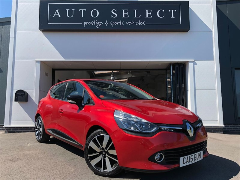 used Renault Clio DYNAMIQUE S MEDIANAV 1.6 DCI £ZERO TAX!! in chesterfield