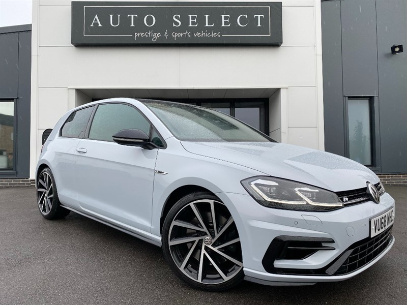 used VW Golf R 2.0 TSI DSG NAV MASSIVE SPEC!! INDISTINGUISHABLE FROM NEW!! in chesterfield