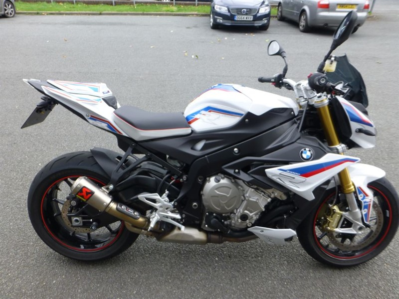 used BMW  S 1000 S 1000 R + £2000 EXTRAS + ONLY 1400 MILES + AKRAPOVIC TIT GP EXHAUST in chester