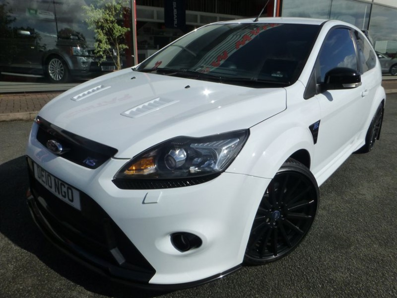 "used Ford Focus RS + 19"" BLACK ALLOYS + FFSH + DUAL CC + S/S EXHAUST SYSTEM in chester"