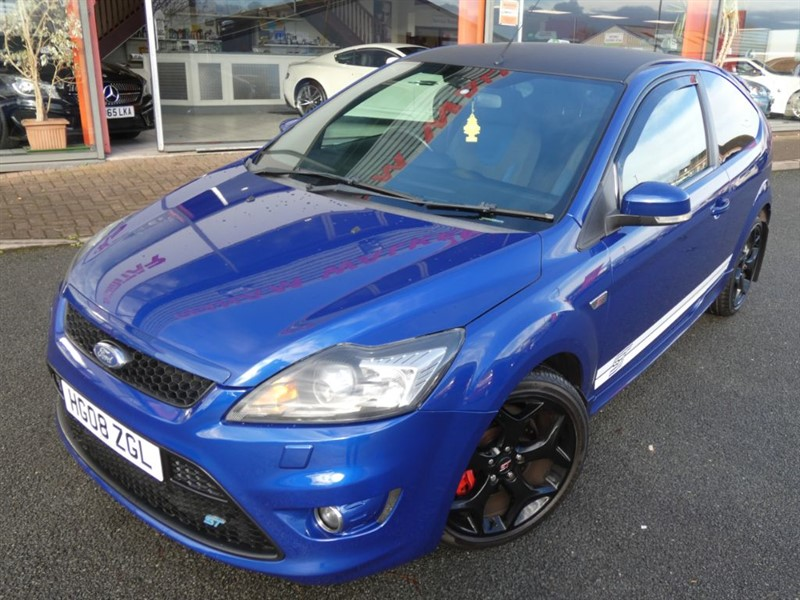 used Ford Focus ST-2 + FSH + 300 BHP + S/S EXHAUST + ST-2 + LOVELY EXAMPLE in chester