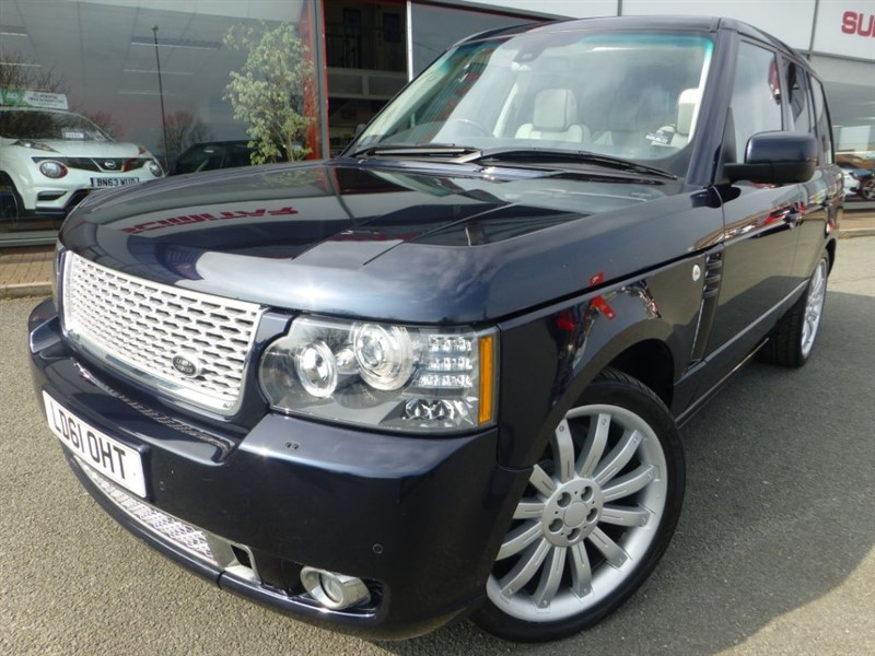used Land Rover Range Rover TDV8 VOGUE + 1 LADY OWNER + SAT-NAV + ELECTRIC SIDE STEPS + STUNNING ++++ in chester
