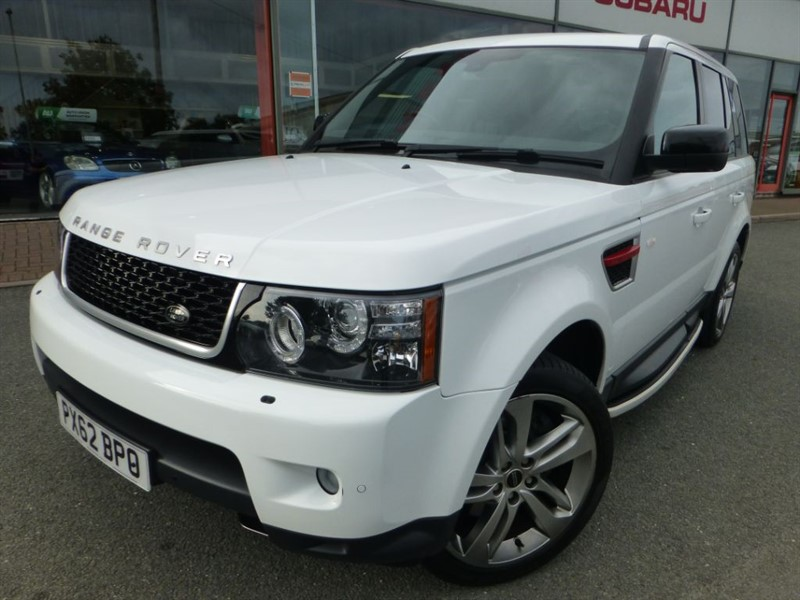 used Land Rover Range Rover Sport SDV6 HSE RED + FSH + PRIVACY GLASS + REVERSE CAMERA + STUNNING  in chester