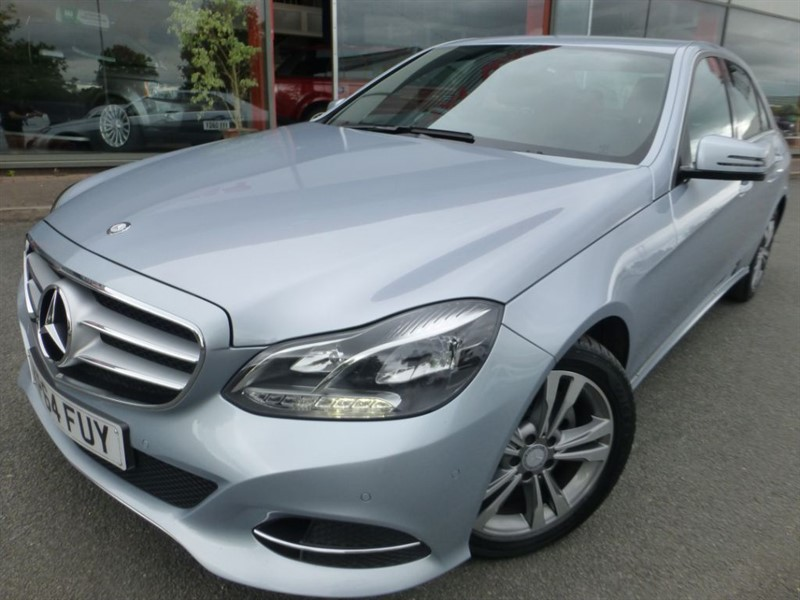 used Mercedes E220 BLUETEC SE + SAT-NAV + FMSH + HEATED LEATHER + LADY OWNER +  in chester