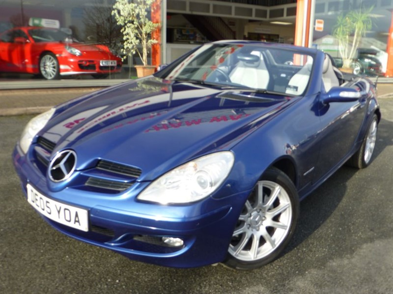 used Mercedes SLK SLK200 KOMPRESSOR + FSH + HEATED SEATS & NECK WARMER + GREY LEATHER  in chester