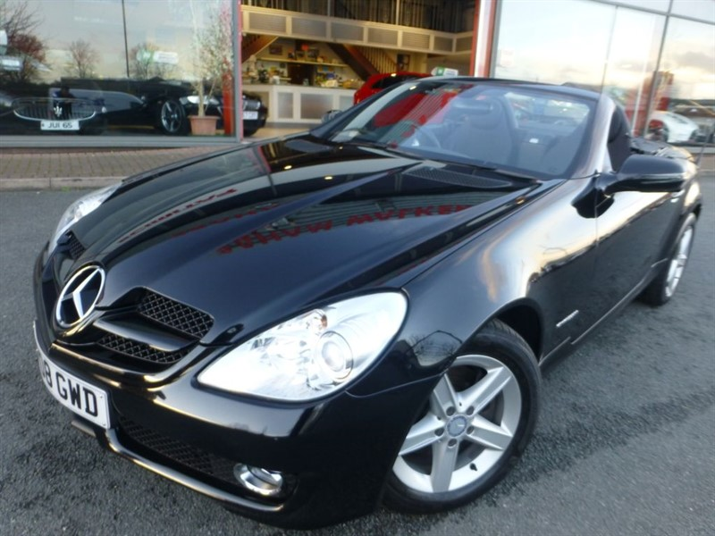 used Mercedes SLK SLK200 KOMPRESSOR + CRUISE + AUTO LIGHTS + FSH + LOW MILES + LADY OWNER +++ in chester