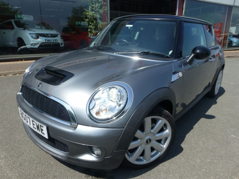 used MINI Hatch COOPER S + FSH + HALF LEATHER + PRIVACY GLASS + LOW MILES + MINT  in chester
