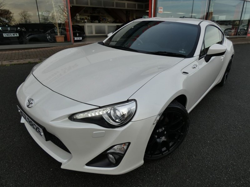 """used Toyota GT86 D-4S + S/S EXHAUST SYSTEM + FTSH + 18"""" BLACK ALLOYS + BEST COLOUR + WOW in chester"""