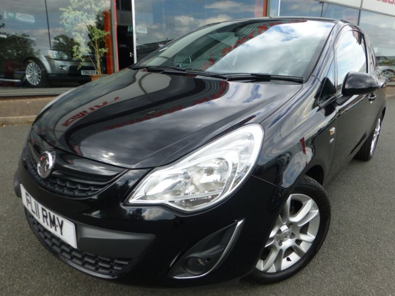 used Vauxhall Corsa SXI AC + FSH + LADY OWNER + PRIVACY GLASS + AIR-CON + MINT in chester