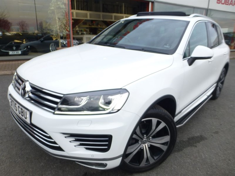 used VW Touareg V6 R-LINE TDI BLUEMOTION TECHNOLOGY + LOW MILES + FVWSH + PAN-ROOF + AS NEW in chester