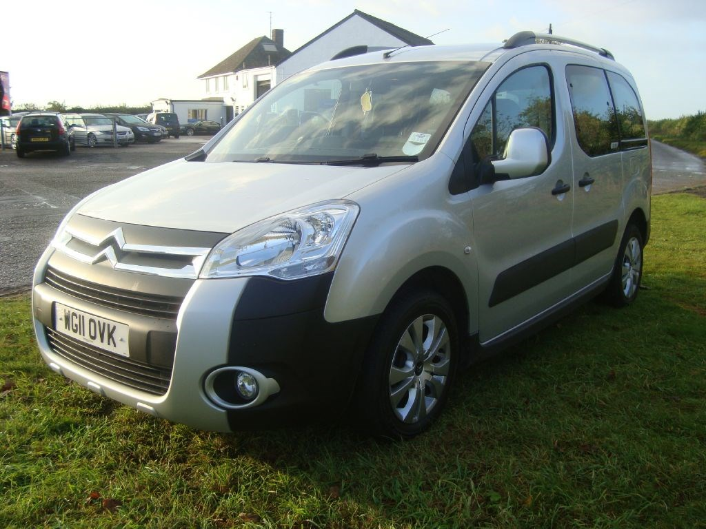citroen berlingo multispace xtr hdi wheelchair accessible car for sale tackley oxfordshire. Black Bedroom Furniture Sets. Home Design Ideas